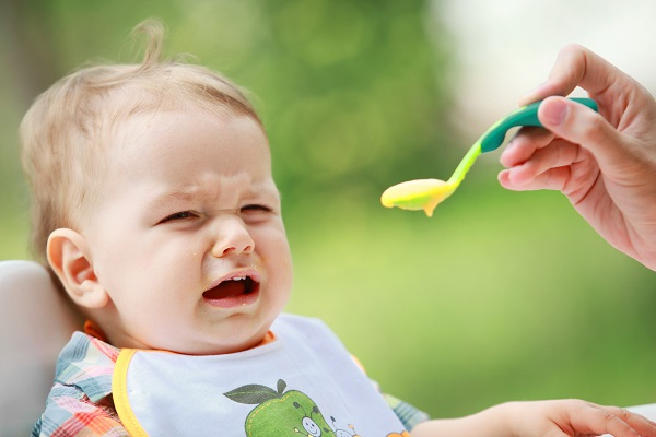 bébé qui refuse de manger